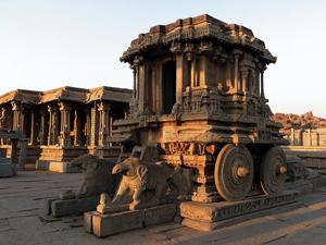 Carro tirado por elefantes, símbolo de la Sabiduría.