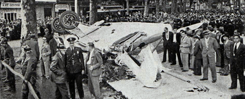 El avión que se estrelló en las Ramblas de Barcelona