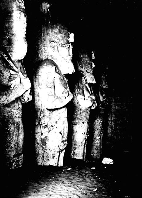 estatuas-osiris-Abu-Simbel